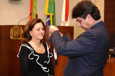 Câmara homenageia voluntariado com a medalha Joana de Gusmão